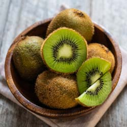 Kiwi plant self fertile