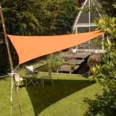 Triangular waterproof sun canopy - terracotta